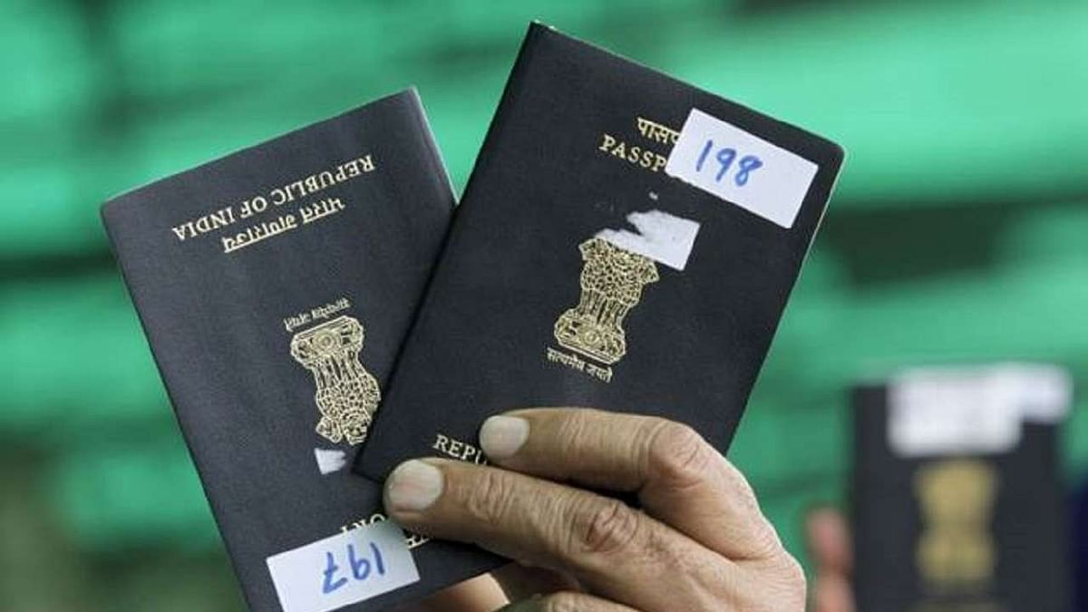 7 people from Pakistan receive Indian citizenship certificates