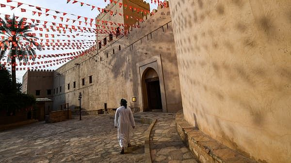 Oman exempts families with children under 16 from institutional quarantine