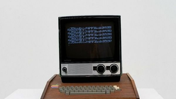 Original Apple computer put up on sale for Rs 11 crore