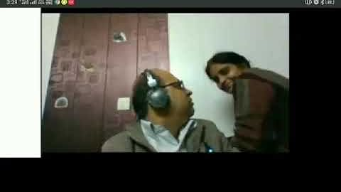 Woman tries to kiss husband during zoom call, Anand Mahindra calls her 'wife of the year'