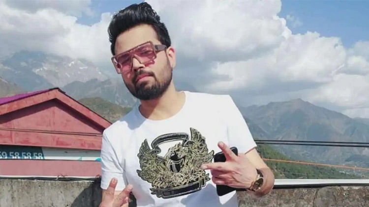Young Punjabi singer Diljaan dies in road accident near Amritsar