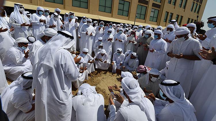 Sheikh Hamdan laid to rest at Umm Hurair cemetery in Dubai
