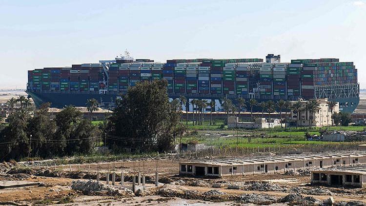 Egypt's Sisi hails 'success' of Suez ship rescue