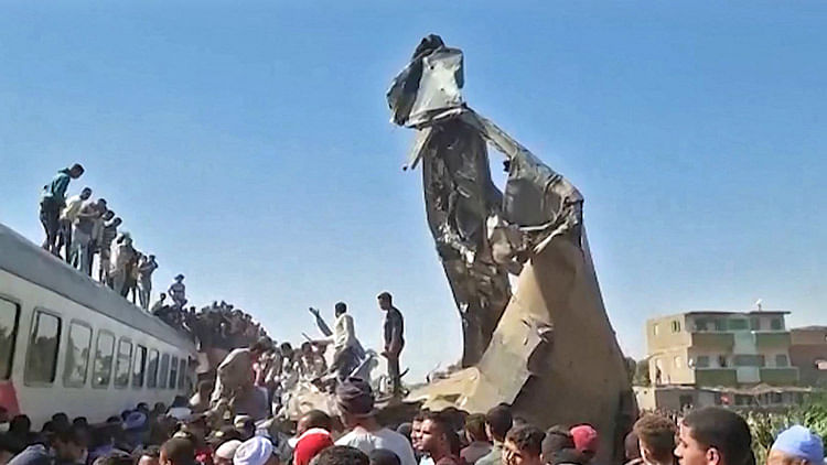 32 passengers killed, over 160 injured as two trains collide in Egypt