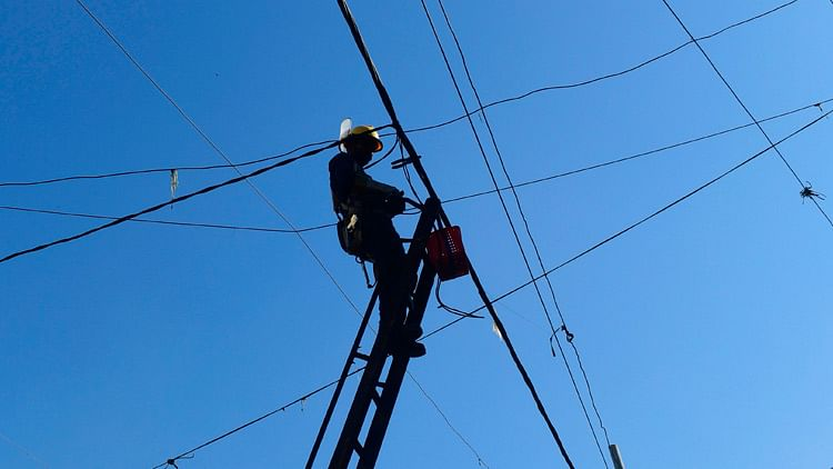 60-year-old widower climbs electric pole after family denies his request to marry again