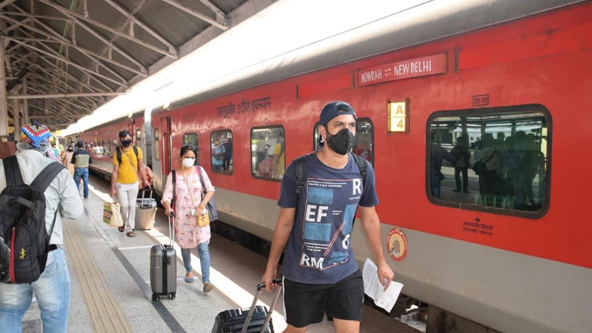 Not wearing masks on railway premises now punishable under Railway Act, fine up to Rs 500