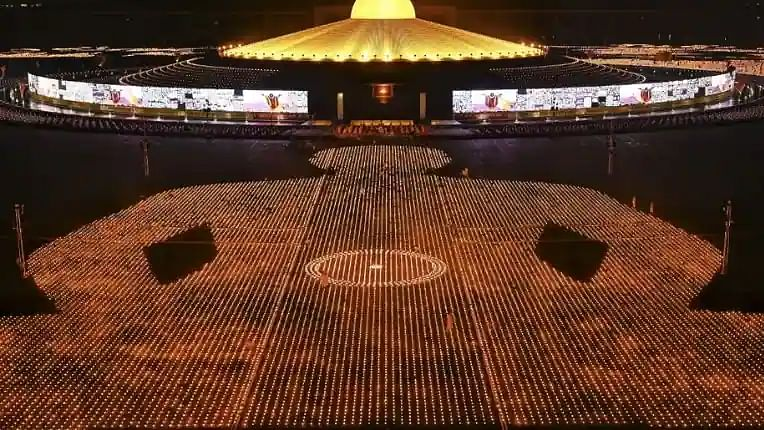 'Cleanse the mind': Thai Buddhist sect attempts world record with 330,000 candles