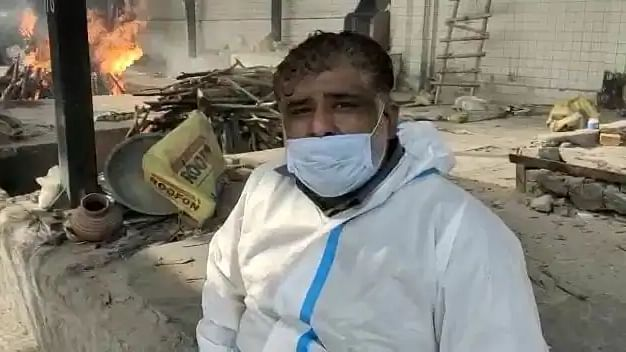 Meet Delhi's 'ambulance man' who helps cremate COVID-19 victims when everyone refuses to even touch them