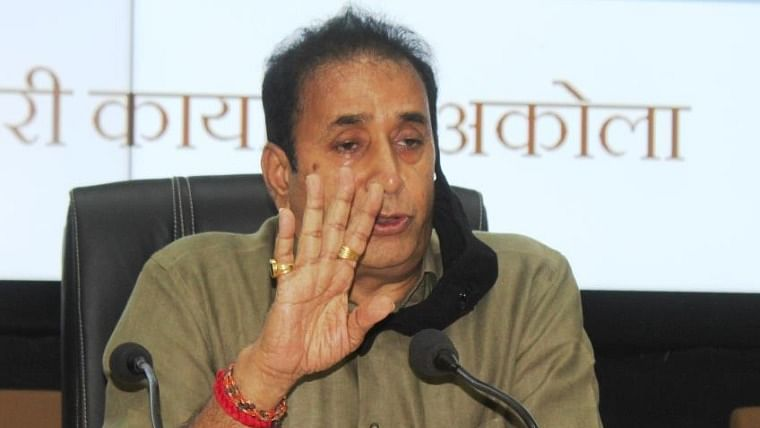 After resignation, Deshmukh likely to challenge Bombay HC order