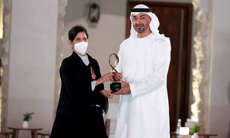 Sheikh Mohamed Bin Zayed honours 12 personalities at 10th edition of Abu Dhabi Awards