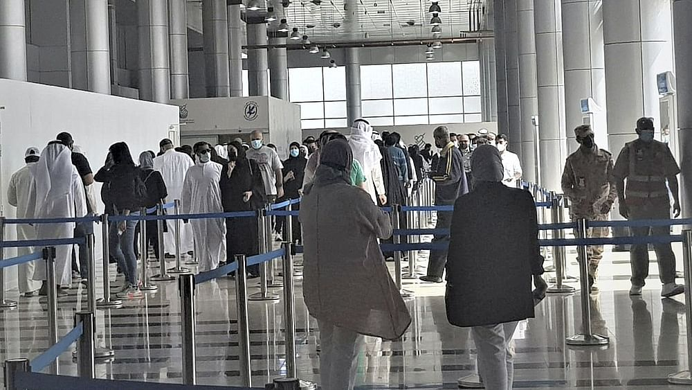Oman to ban entry of visitors from April 8: State media
