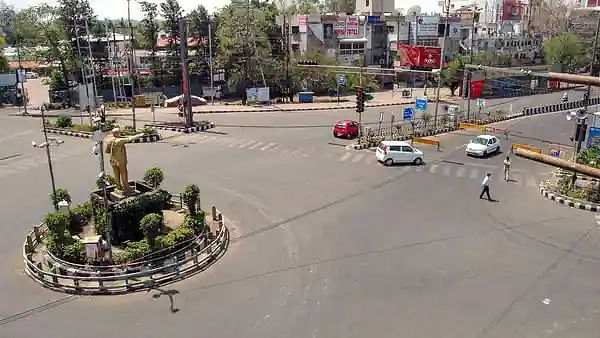 MP govt imposes lockdown in all urban areas from Friday 6 pm-Monday 6 am, containment zones in main cities