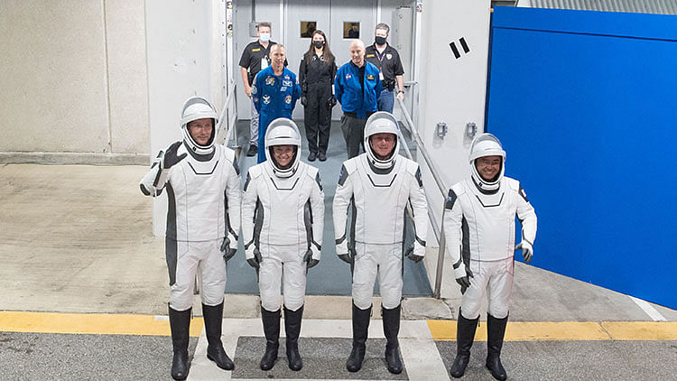 SpaceX set to take four astronauts to ISS on April 22