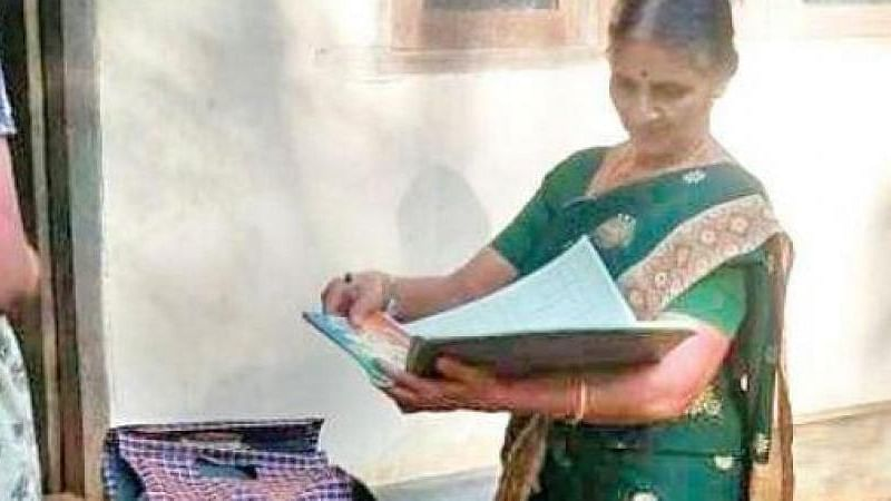 This Kerala librarian serves knowledge at doorstep