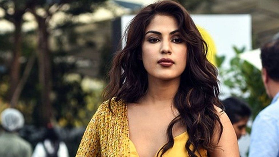 Rhea Chakraborty pens emotional note on pandemic: Fills my heart to see we are standing together