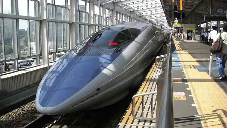 Japan's bullet train reaches 1 minute late after driver answers 'nature's call'