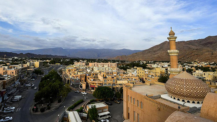 Oman bans commercial activity all day from May 8 to 15