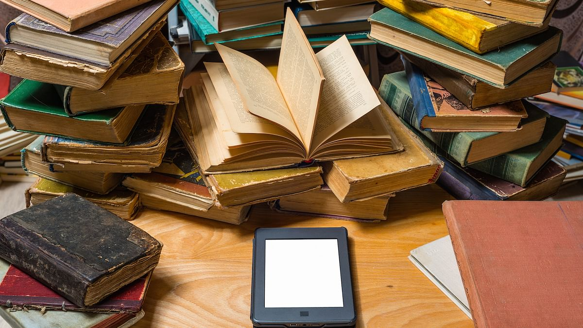 Paper books aren't dying! New survey reveals people still don't dig e-books