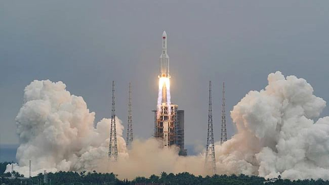 Chinese rocket: Falling spacecraft falls to Earth over Indian Ocean, reports say
