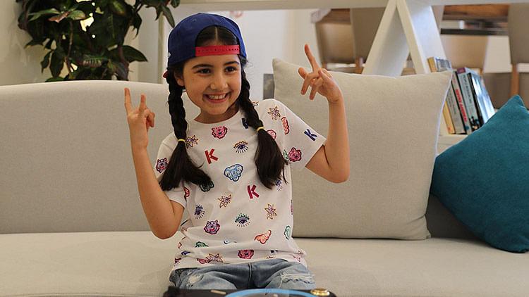 9-year-old Azerbaijani girl rocks Dubai spinning turntables