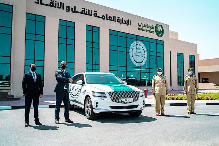 Aston Martin Vantage joins Dubai Police fleet of luxury patrols