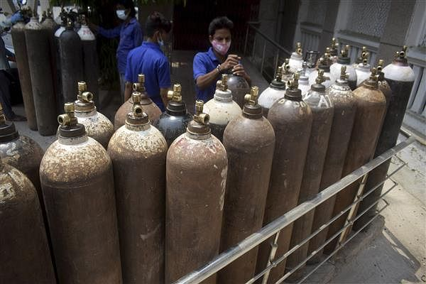 'You may be blind, but we are not...': Delhi HC to Centre over oxygen shortage
