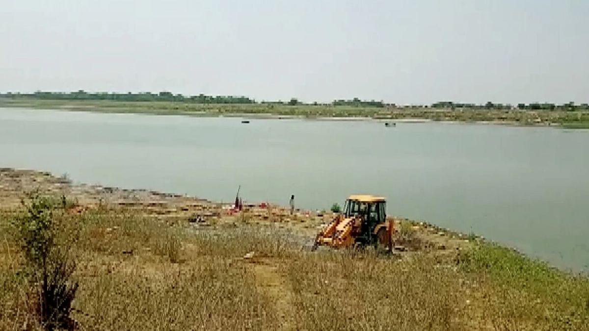 Following Bihar horror, bodies seen floating in Ganga in UP