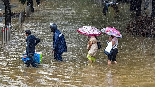 Monsoon moves rapidly to cover two-thirds of India; Heavy rains to hit from Karnataka to Odisha