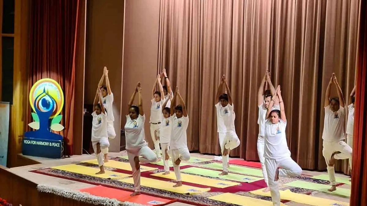 Saudi Arabia promotes Yoga as important sport activity; signs MoU with India
