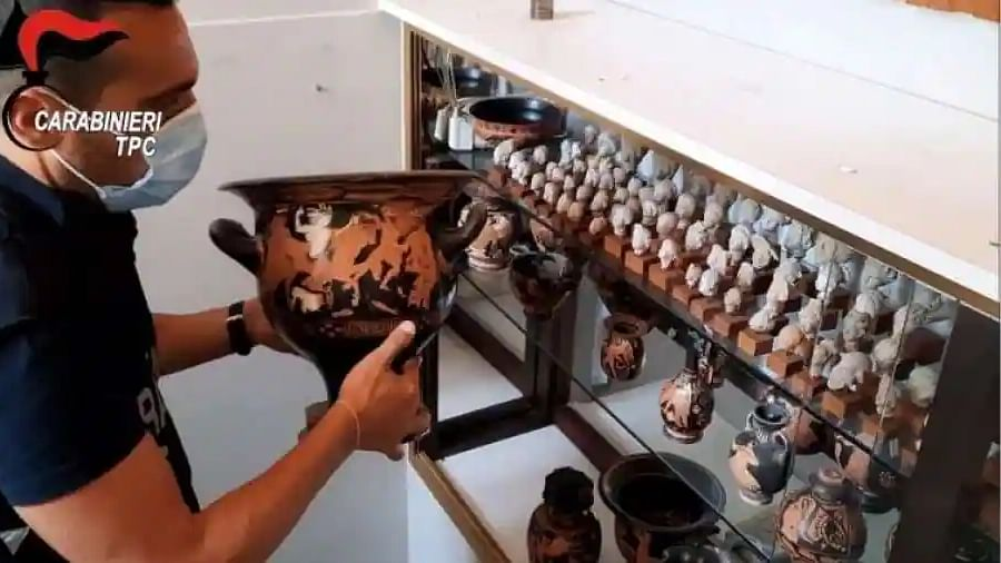 Theft of centuries: 800 stolen archaeological artifacts recovered in Italy