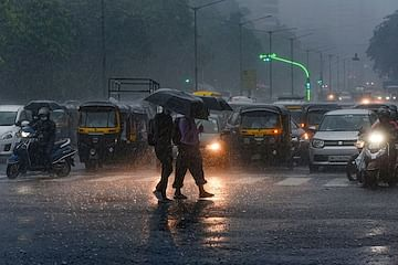 Southwest monsoon advances further, IMD issues heavy rainfall warning for several states