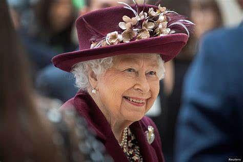 Queen Elizabeth honours Britain's health service for pandemic work
