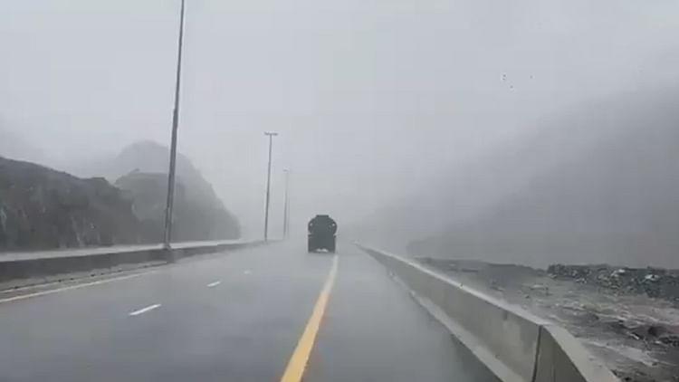 Heavy rain witnessed in Sharjah, Abu Dhabi and Al Ain, highest temperature recorded at 46°C in Al Dhafra Region
