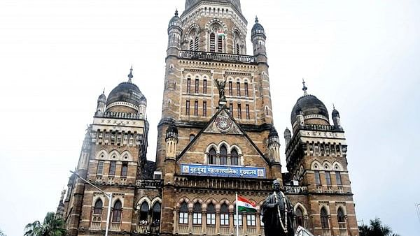 Mumbai: Man poses as BMC staffer, draws salary worth Rs 43.31 lakh for 24 years; case lodged
