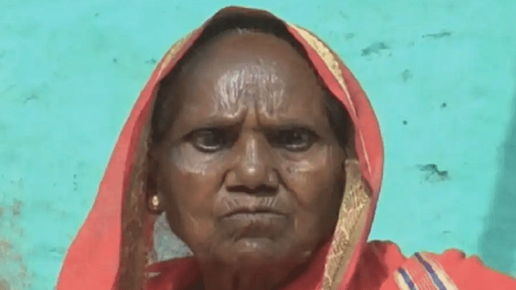 Woman takes Covishield jab, claims to have regained her lost eyesight after nine years