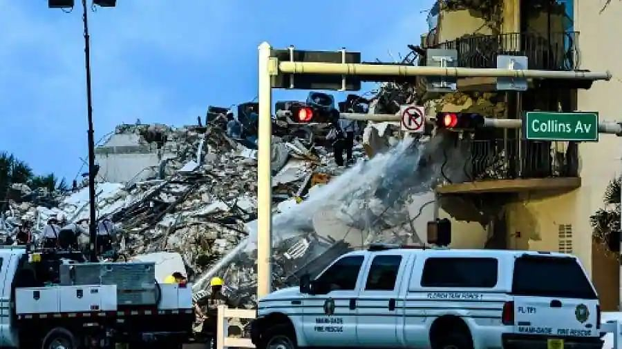 Two more victims found in Florida's building collapse; 22 dead, 126 missing