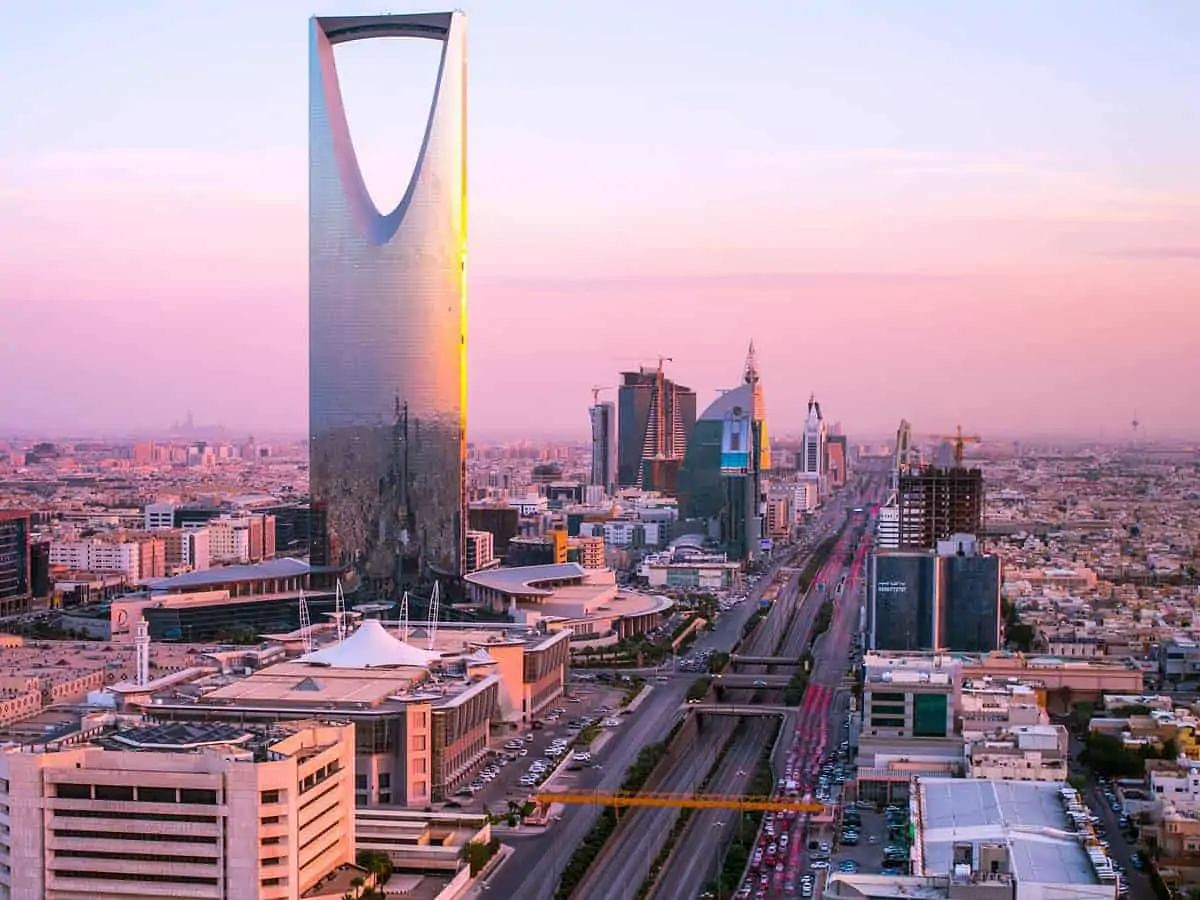 Saudi Arabia: Fully vaccinated children aged 12-18 can apply for Umrah