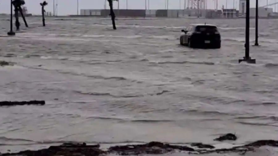 Hurricane Ida pummels Louisiana; power lines in New Orleans destroyed