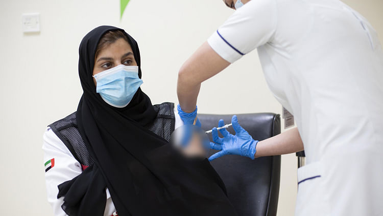 UAE sees gradual decrease in COVID-19 cases, only 994 new infections in 24 hours