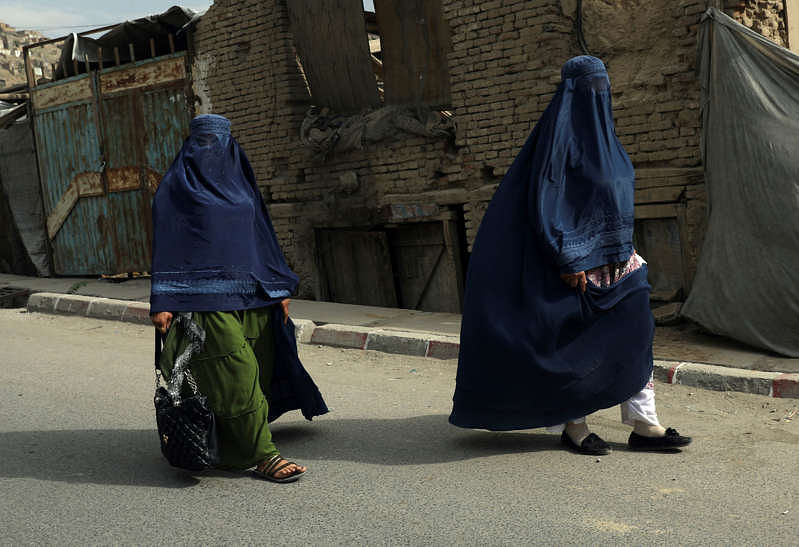 Taliban ask women doctors, health workers to return back to work in Afghanistan