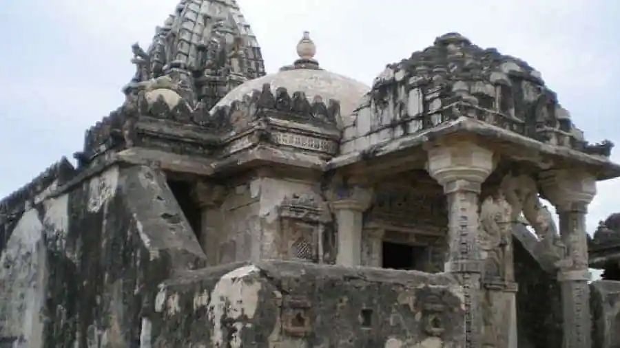 Bangladesh police recover Lord Vishnu's centuries-old black stone statue