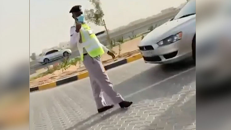 Ajman Police allow Indian family to rest in patrol car to avoid searing heat