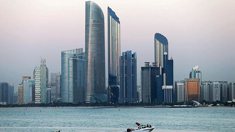 Abu Dhabi to return to 100% workplace capacity from Sept.5, learn about the requirements to enter offices