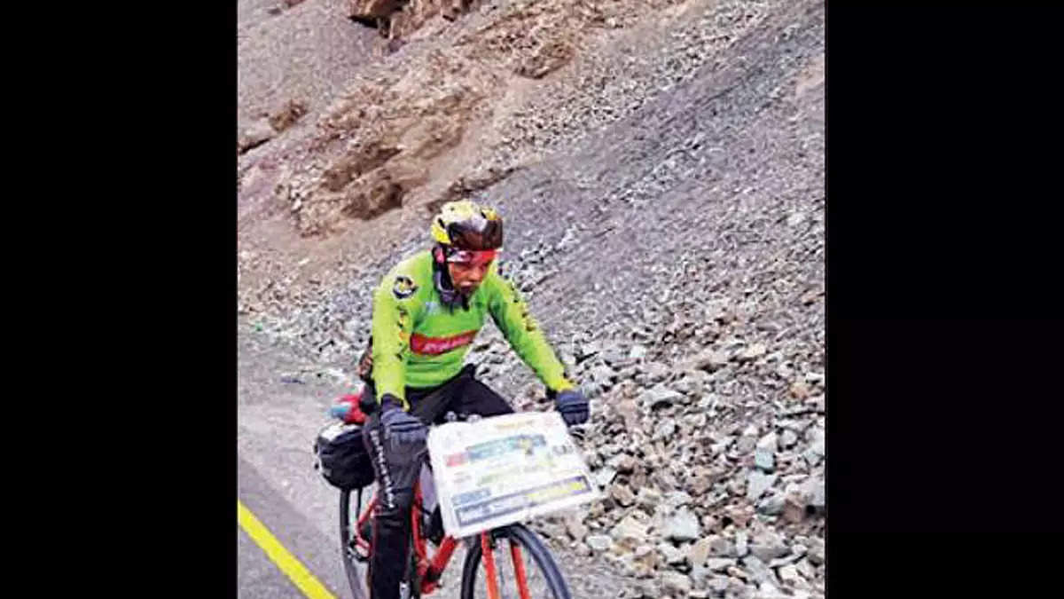 80-year-old from Kerala cycles 4,500 km to celebrate birthday in Ladakh