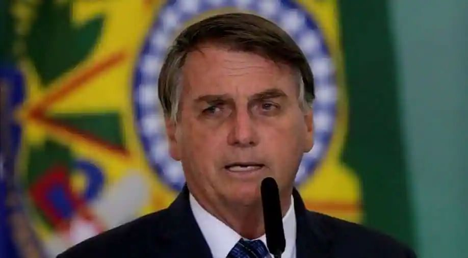 Unvaccinated Bolsonaro forced to eat on sidewalk as New York eateries deny entry
