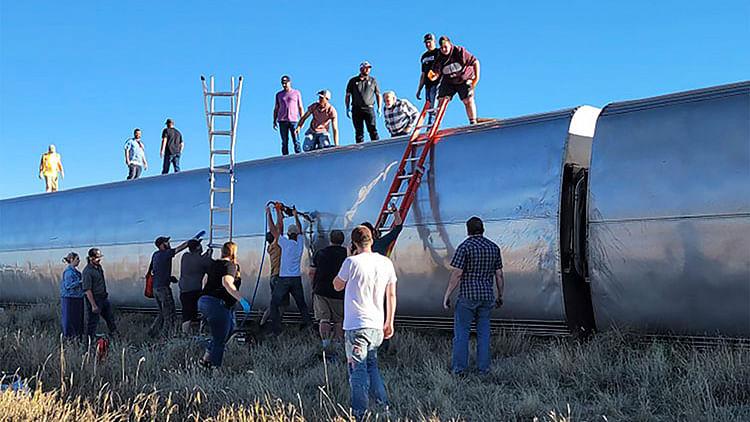 Three dead, multiple injured after US train derailment