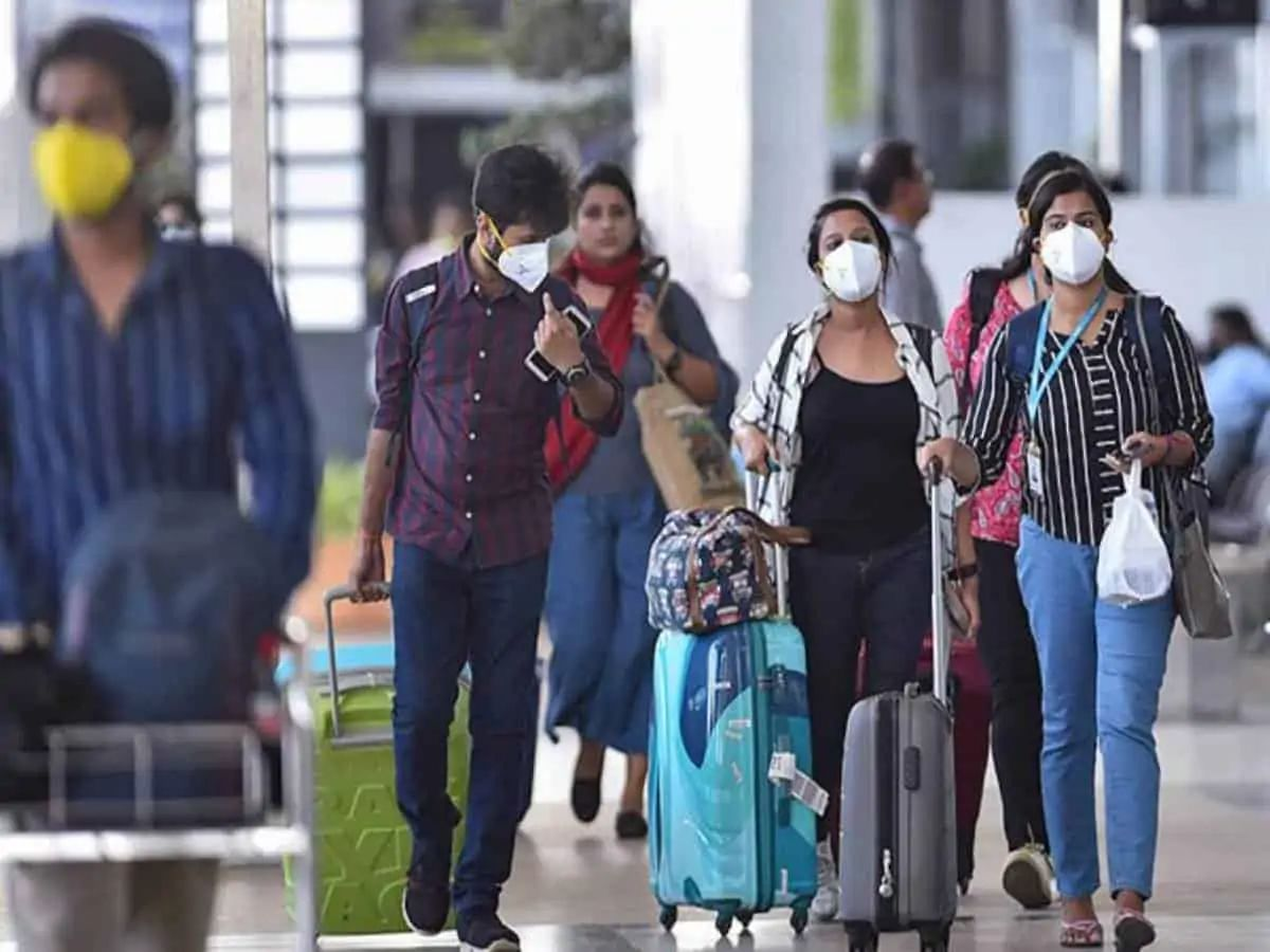 Canada lifts ban on passengers from India
