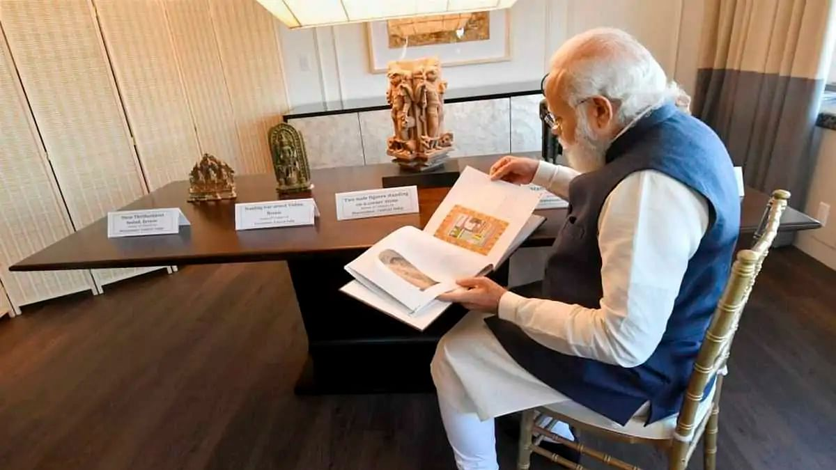 PM Modi to bring back 157 antiquities handed over by US