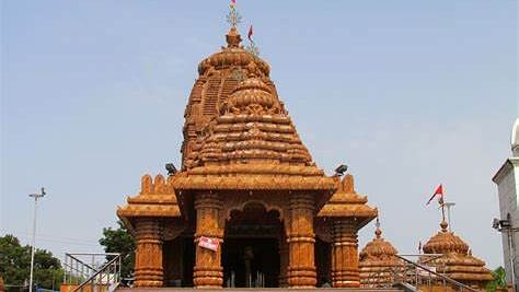 Priests can't be owners of temple deity's land, says Supreme Court