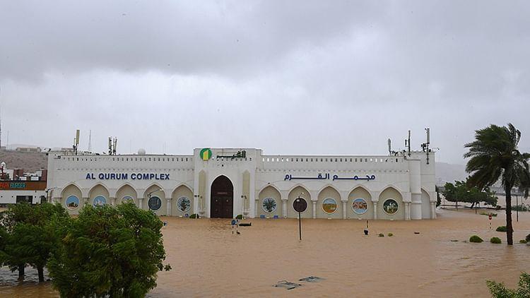 Cyclone Shaheen hits Oman, three die in landslide and flooding